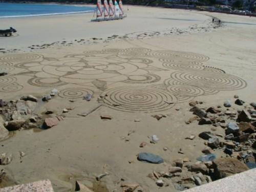 landart,land art,dessin sur plage,art de plage