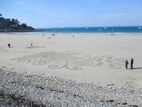 patelgé,land art,rake art,beach art,dessin sur le sable,art,sable,plage,trestraou,perros-guirec,bretagne,tout un léviathan !,dessins au rateau,concours de chateau
