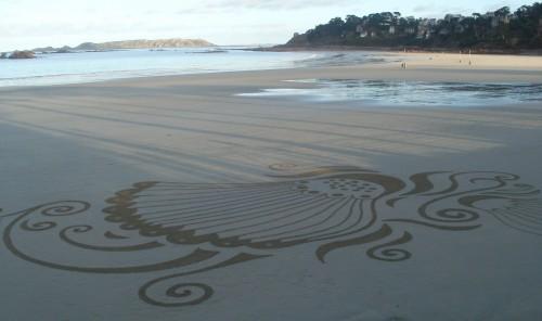 patelgé,land art,plage art,sable, rake art, beach art, trestraou, perros-guirec, bretagne, art, sable, ombres, à la portée des ombres