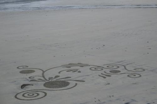 Patelgé, land art, rake art, beach art, dessin au rateau, dessin sur le sable, dessin plage, plage, art contemporain, art, trestraou, perros-guirec, côtes d'armor, bretagne, kokopelli