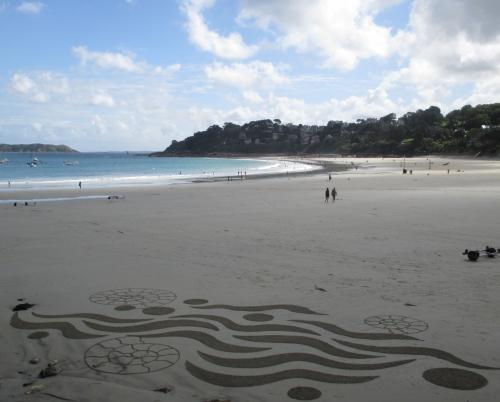 patelgé, land art, rake art, beach art, sand art, dessin au rateau, dessin sur sable, sable, plage, trestraou, perros-guirec, art, art contemporain, spiruline