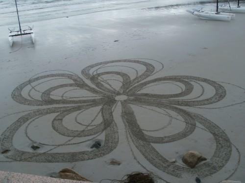 patelgé,land art,plage art,sable, perros-guirec, trestraou, rake art, land art, spirographique