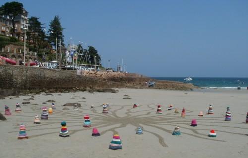knitting art,tricot,patelgé,granit rose,perros guirec,landart,rake art,dessin plage