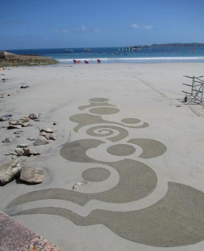 Patelgé, land art, rake art, beach art, dessin sur sable, sand art, dessin au rateau, art, art contemporain, trestraou, bretagne, perros-Guirec, Kandinsky, point ligne plan
