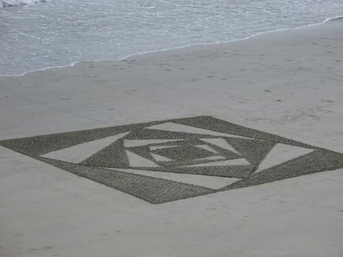 patelgé,land art,beach art,rake art,dessin sur le sable,sand art,sable,plage,art contemporain,art,perros-guirec,trestraou,bretagne,côtes d'armor, L'échiquier kaldoré