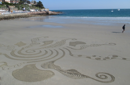 Patelgé, land art, rake art, sand art, dessin sable, sable, dessin rateau, dessin bâton, art contemporain, perros-guirec, trastraou, bretagne, côtes d'armor
