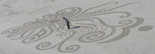 Patelgé, land art, rake art, beach art, dessin sable, art, perros-guirec, trestraou, bretagne, plage, dessins sur le sable, Tout un léviathan !