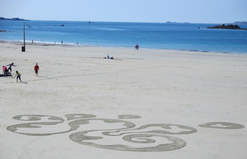 Patelgé, land art, rake art, beach art, dessin sable, art, perros-guirec, trestraou, bretagne, plage, dessins sur le sable, Jörmungand
