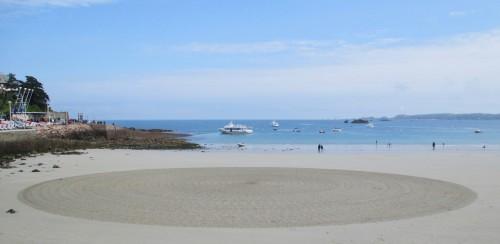 Patelgé, land art, rake art, beach art, dessin sable, art, perros-guirec, trestraou, bretagne, plage, dessins sur le sable, nouvelles ponctuations, mouvement extrorse
