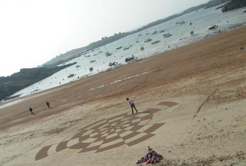 Patelgé, land art, rake art, beach art, dessins sur sable, dessins sur la plage, art contemporain, festival de l'estran, art éphémère, Trégastel, 2014