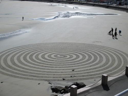 Patelgé, land art, rake art, beach art, dessin sable, art, perros-guirec, trestraou, bretagne, plage, dessins sur le sable, Hypnotik cartoons