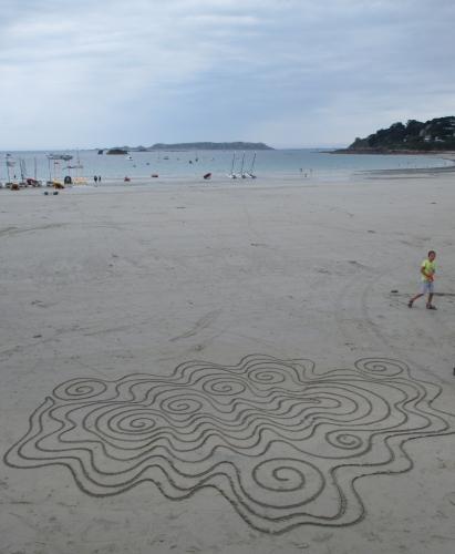 Patelgé, land art, rake art, sand art, dessin sur sable, dessin au rateau, art, art contemporain, perros-guirec, bretagne, côtes d'armor, plage, art à la plage, Ostreidae
