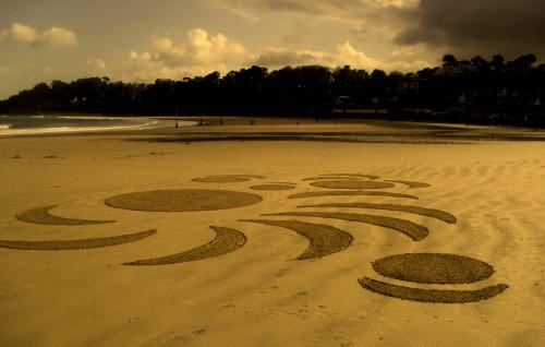 patelgé,land art,rake art,beach art,dessin sur sable,dessin au rateau,art contemporain,plage,sable,art,trestraou,perros-guirec,bretagne,côtes d'armor,vortex