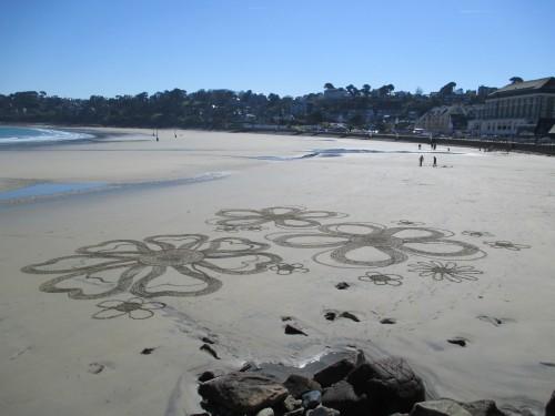 Patelgé, land art, rake art, beach art, dessin sable, art, perros-guirec, trestraou, bretagne, plage, dessins sur le sable, Pour un bouquet de mer