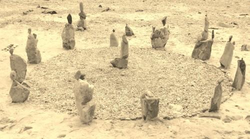 rock balancing,land art,landart,pierre levée,equilibre de pierre,patelge,perros guirec,beach art