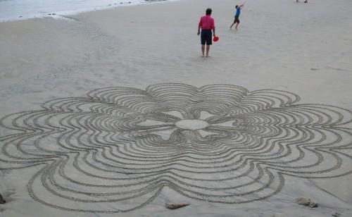 Patelgé, land art, rake art, beach art, dessin sable, art, perros-guirec, trestraou, bretagne, plage, dessins sur le sable, fileuse de sable