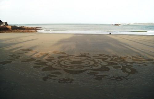 Patelgé, land art, rake art, beach art, dessin sable, art, perros-guirec, trestraou, bretagne, plage, la marche du printemps, art