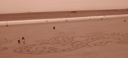 patelgé,perros guirec,granit rose,land art,dessin plage,sable