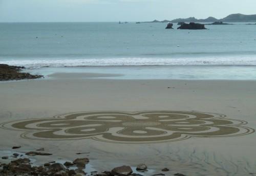 Patelgé, land art, rake art, beach art, dessin sable, art, perros-guirec, trestraou, bretagne, plage, floréale